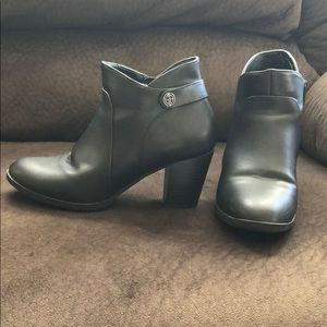 Giani Bernini Ankle Boots w/Memory Foam